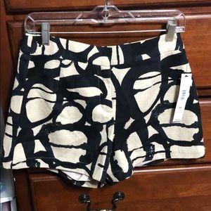 DKNY shorts size 4 NWT